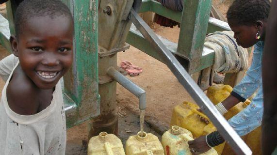 Fornitura di acqua potabile alle scuole primarie dei distretti di kotido, kaabong, abim, nakapiripirit e promozione igienico-sanitaria in 15 scuole