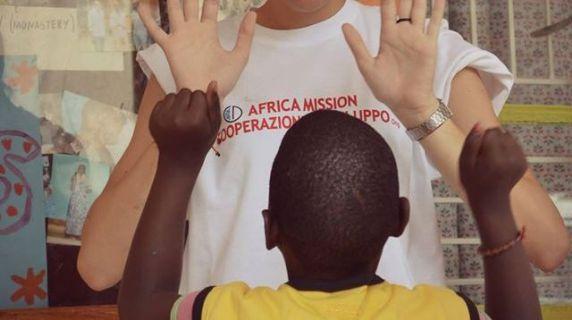 Intervento nell'ambito dell'assistenza, formazione e supporto per la comunità di disabili di Kira (Kampala)