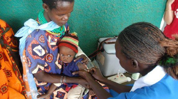 Operazione per la vita delle comunità Pokot - vaccinazioni Amudat
